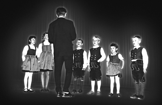 Die 6 Geschwister zusammen mit Vater Hermann Well im Jahr 1964